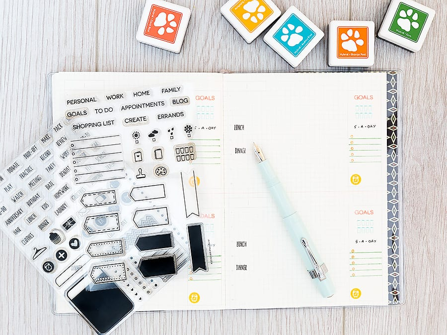 Debby Hughes - Lime Doodle Design http://limedoodledesign.com/2015/03/food-and-wellbeing-journal/ #planner #food #journal