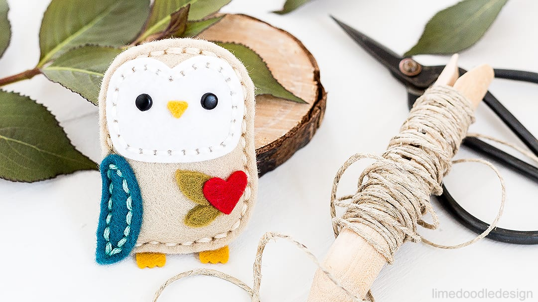 Plush Little Owl. Find out more by clicking on the following link: http://limedoodledesign.com/2016/09/plush-little-owl/