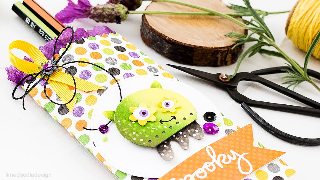 Spooky Halloween Goody Bag. Find out more about this project by clicking on the following link: http://limedoodledesign.com/2016/10/spooky-halloween-goody-bag/