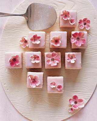 TT Pretty Little Petit Fours