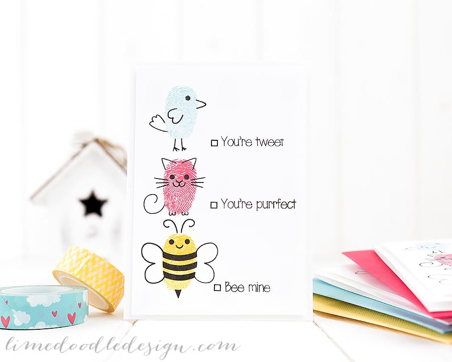 Cute Valentines. For more please visit https://limedoodledesign.com/2015/01/cute-fingerprint-animals/ Debby Hughes - Lime Doodle Design #cute #valentine #card