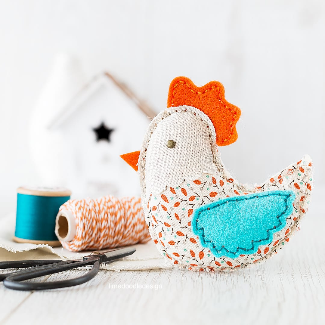 Spring plush chicken. Find out more by clicking on the following link: https://limedoodledesign.com/2016/03/spring-plush-hop/